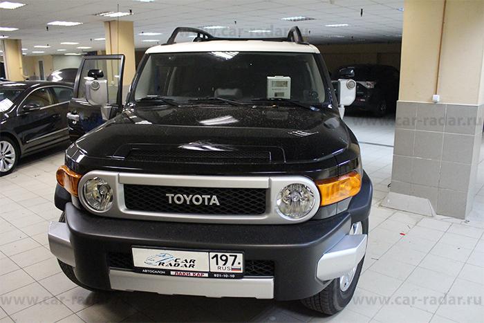BlackVue DR550GW-2CH Toyota FJ Cruiser.