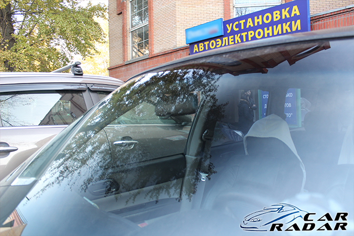 Blackvue DR600GW в автомобиле Subaru Forester